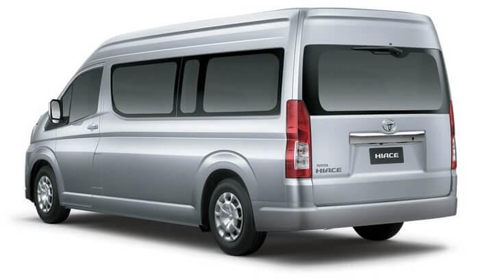 Toyota Hiace là dòng xe được nhiều khách lựa chọn khi thuê xe 16 chỗ Đồng Hới