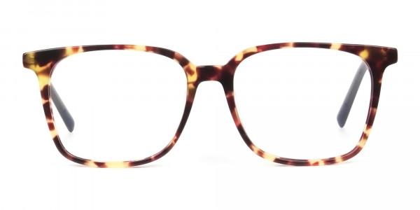 Oversized tortoiseshell glasses