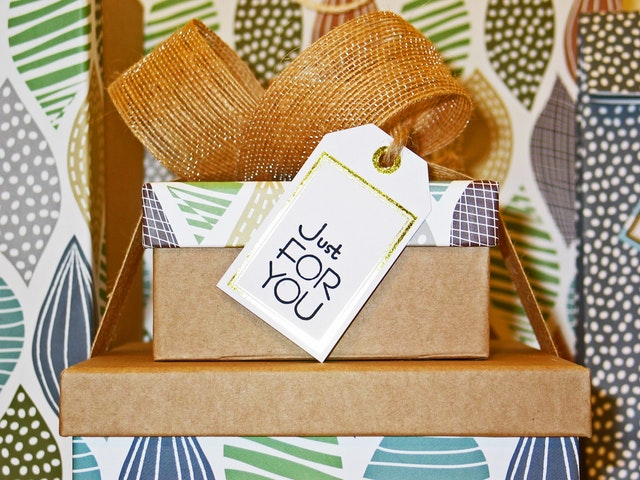 How To Save Money When Buying Gifts 2