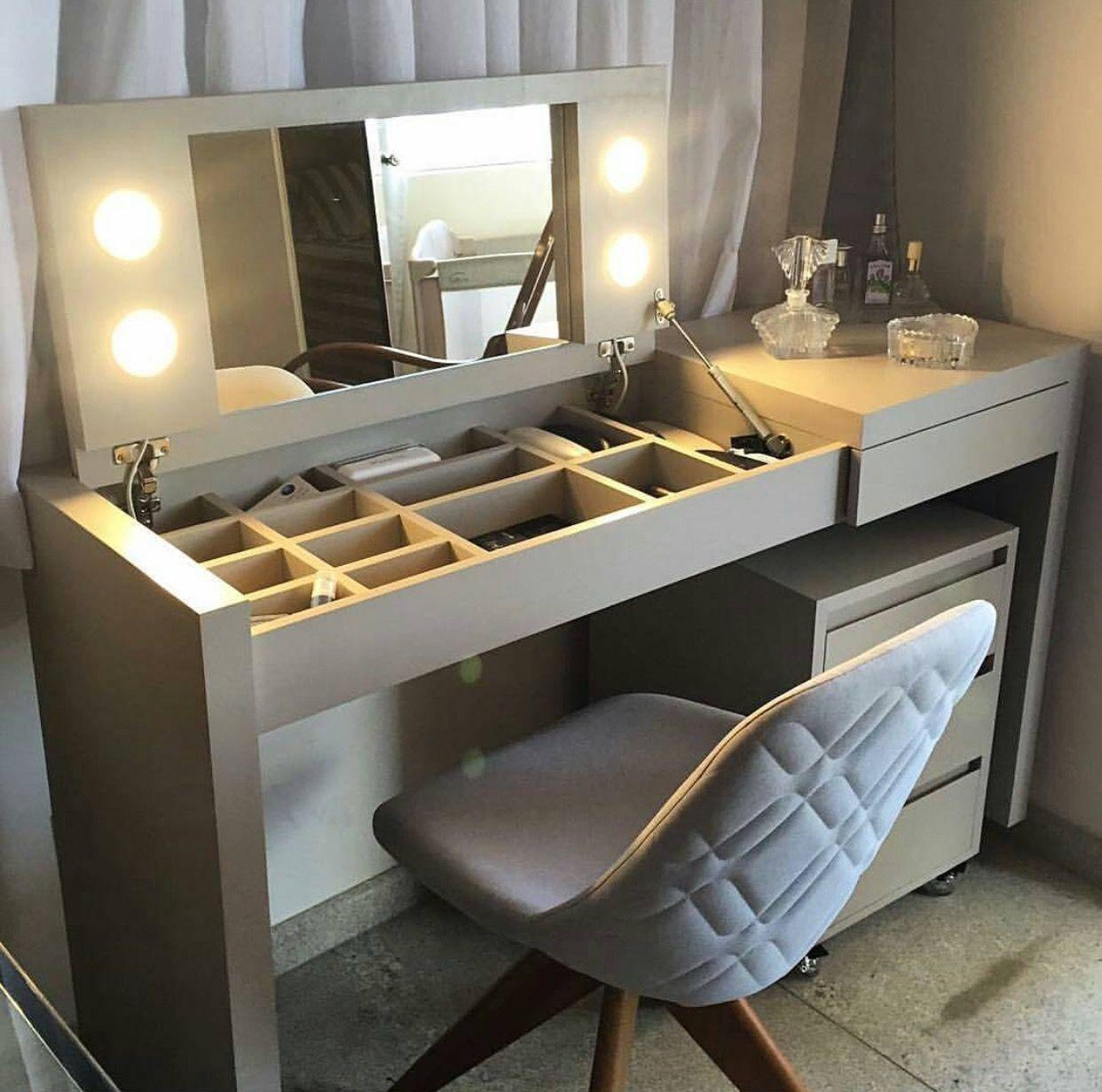 Bàn trang điểm kết hợp bàn làm việc có gương lật và đèn led