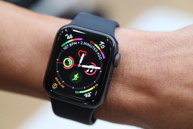 Apple Watch cứu sống người đàn ông bị nước lũ cuốn