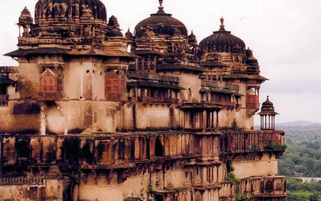 5) Delve into the history of Bundelkhand at the Jhansi Fort.jpg