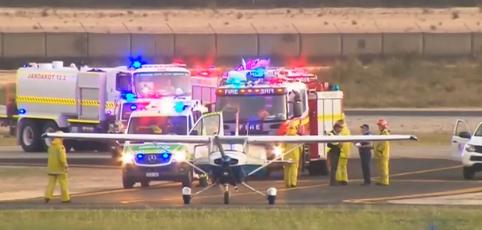 ¡Estudiante a piloto logra aterrizar avión luego después de que su instructor se desmayó!