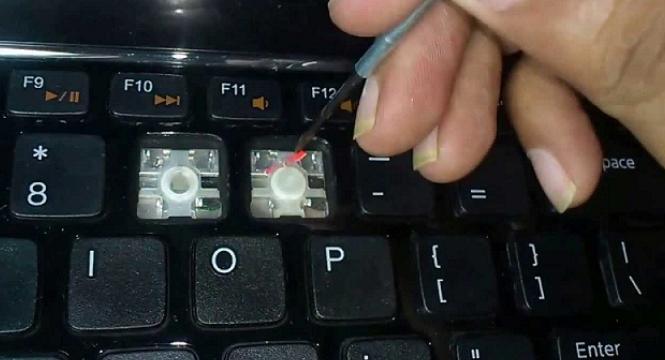 Xử lý laptop bị liệt bàn phím như thế nào?