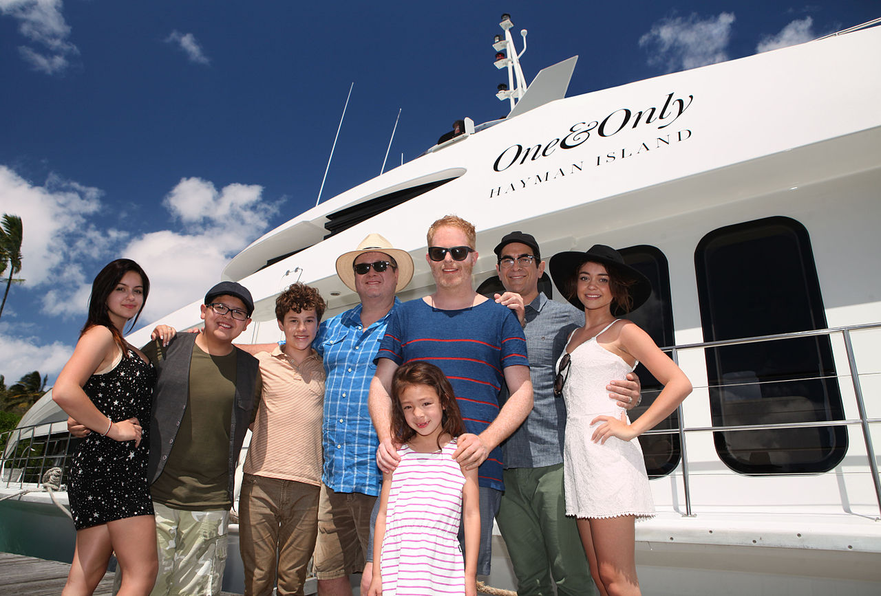 1280px-Modern_Family_cast_in_Australia.jpg
