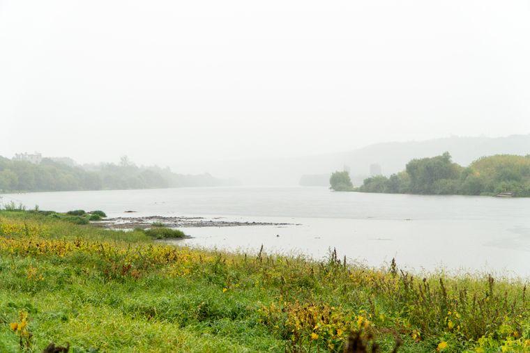 Река Днестр в окрестностях города Сороки, Молдова
