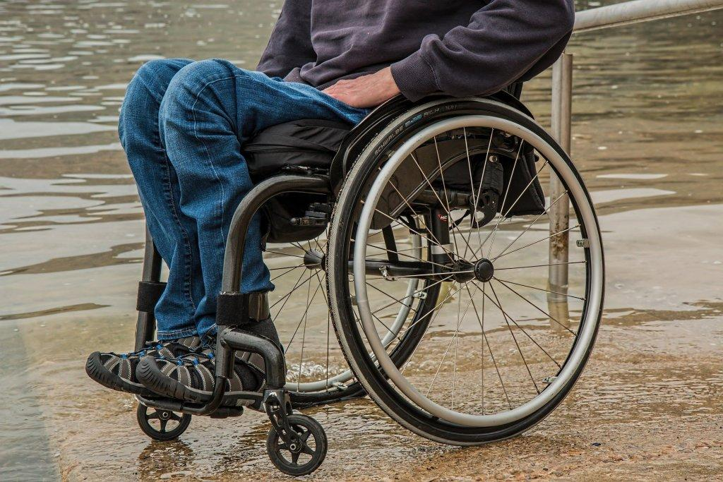 https://i2.wp.com/www.holisticaging.com/wordpress/wp-content/uploads/2017/03/wheelchair-1595794_1920.jpg?fit=1024%2C683&ssl=1