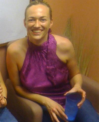รูปผู้หญิงถ่ายจากกล้องโทรศัพท์มือถือ