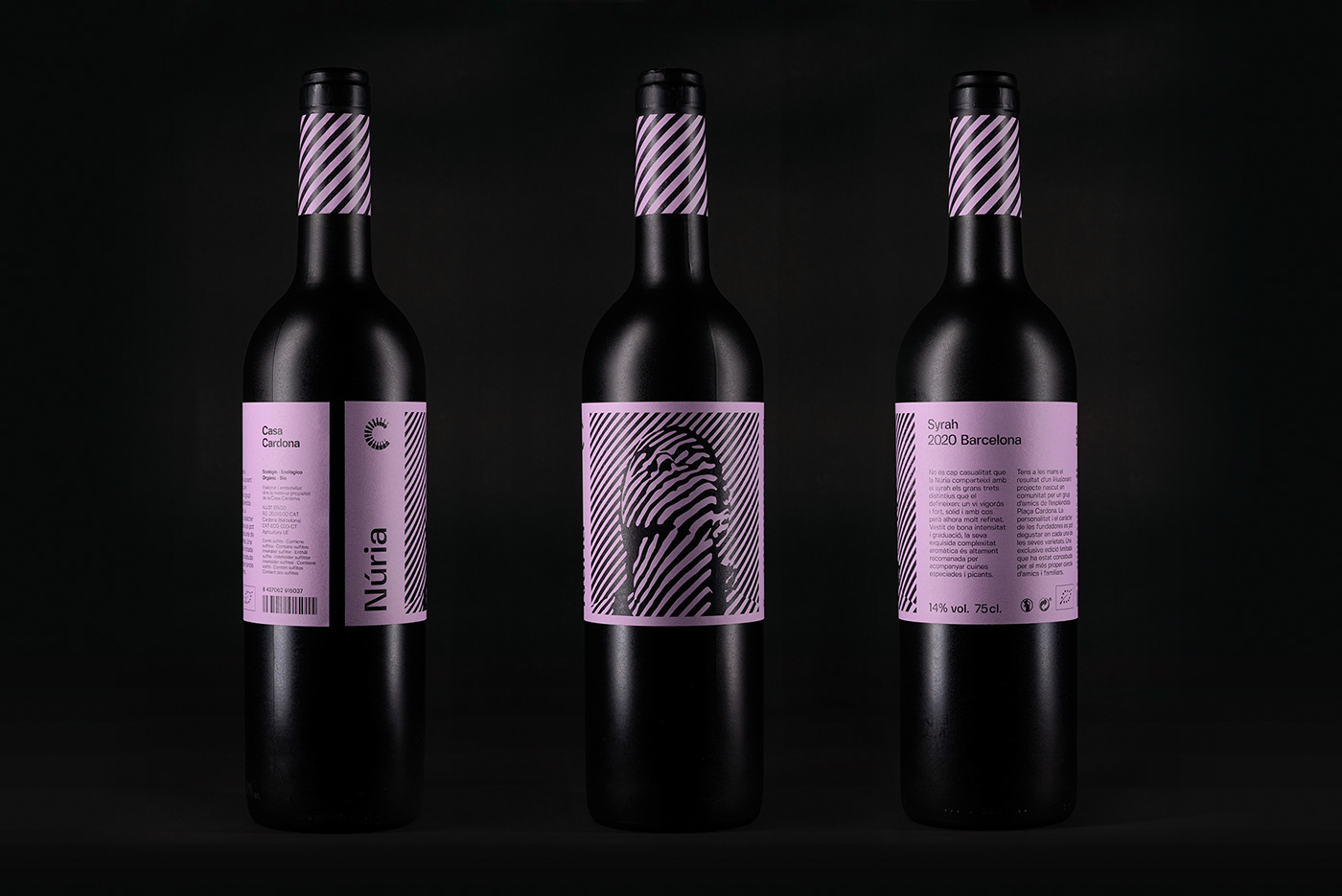 "Packshot of ""Núria"" Syrah wine bottle"