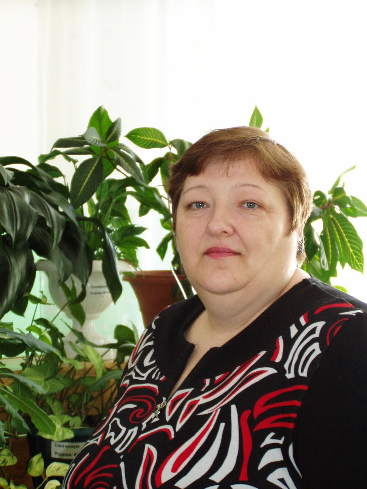 заместитель директора по АХЧ Худышкина Людмила Анатольевна.JPG