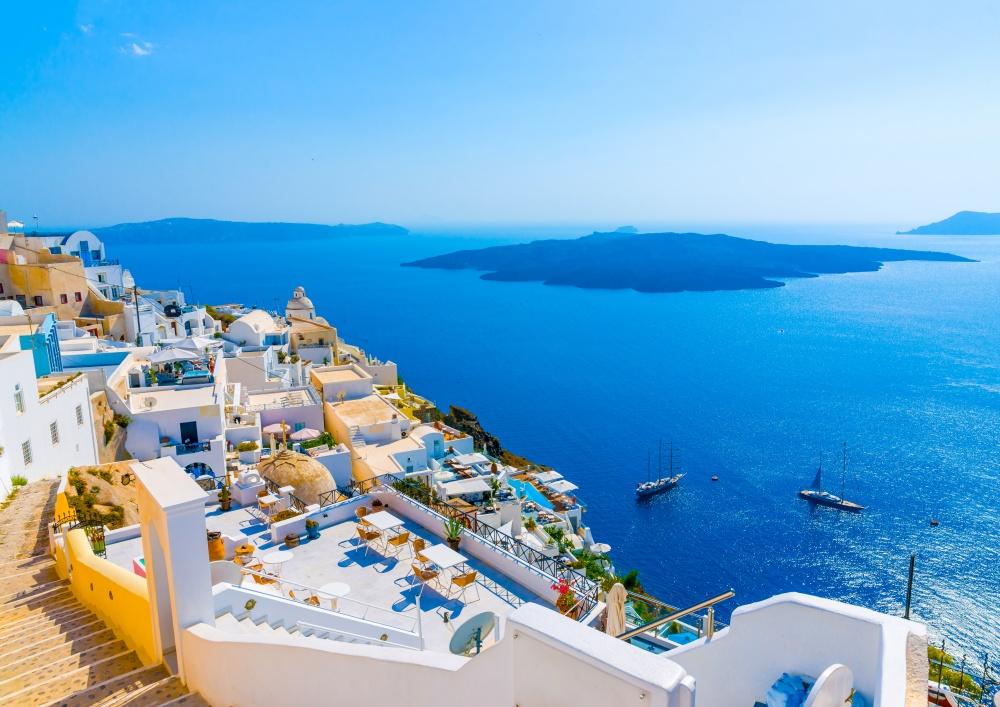 Hay un mito que Santorini - un fragmento de la Atlántida. Cuando usted está aquí (aunque sea virtualmente), se empieza a creer.