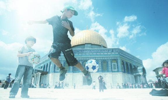 Daily life in Jerusalem-w575.jpg