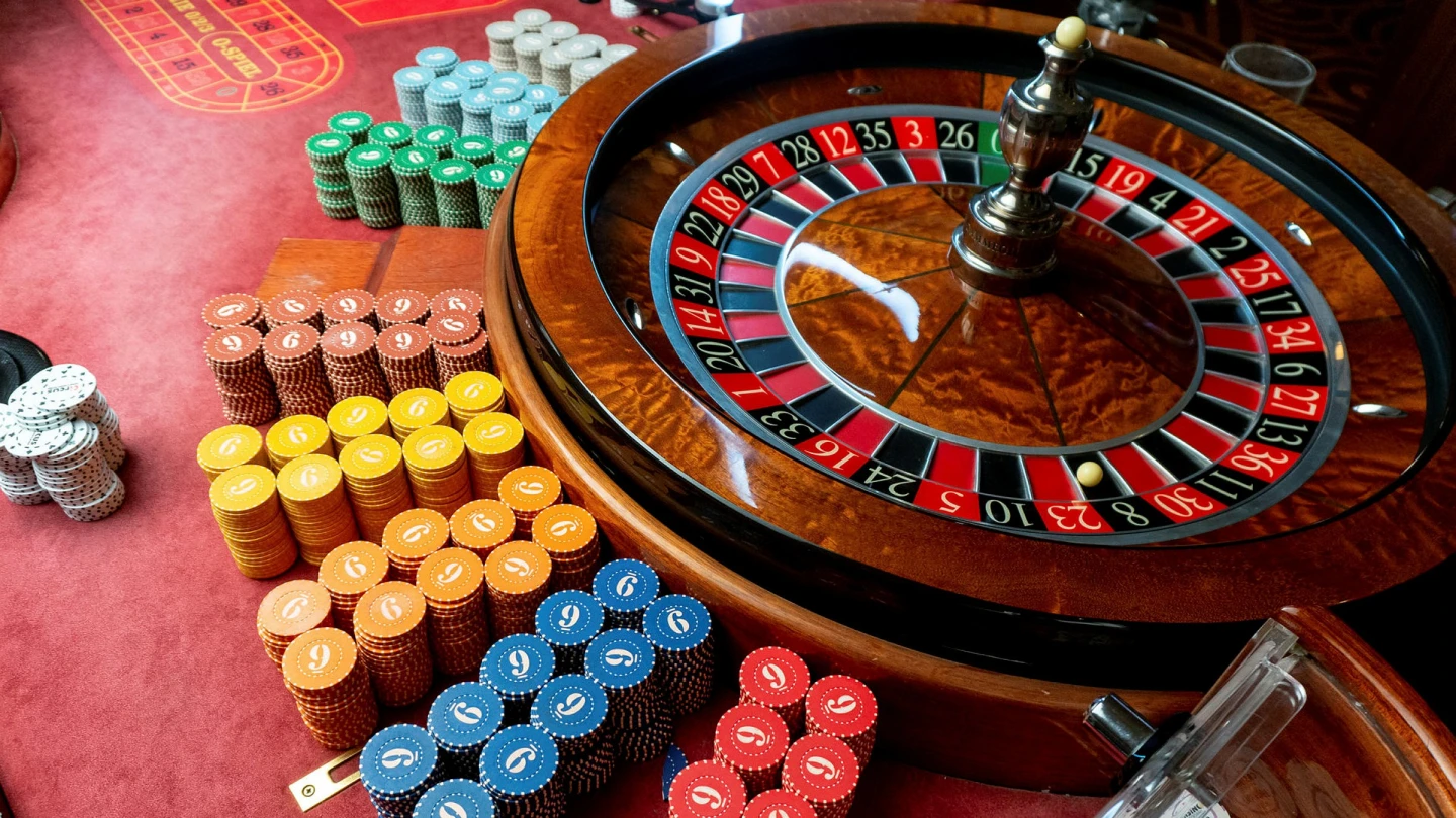 Tips To Play Online Poker Games To Win Money From A House That Not Everyone Knows