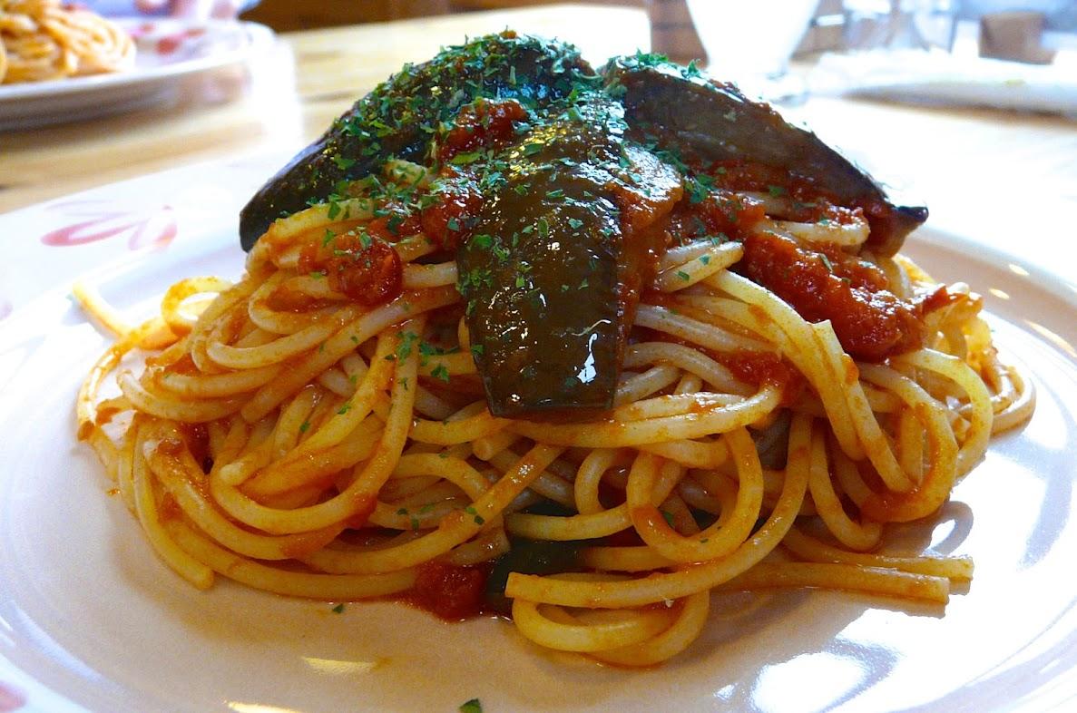 「オリーブのトマトパスタ」&「ナスのアラビアータ」
