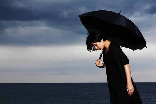 umbrella-2603983_640.jpg