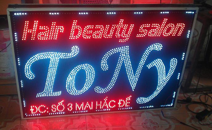LED đúc được sử dụng làm biển quảng cáo