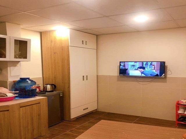 Nên chọn căn hộ có đồ dùng nội thất còn mới, điện nước đảm bảo