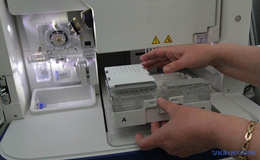 Обладнання ДНК-лабораторії в Дніпропетровському обласному бюро судово-медичної експертизи