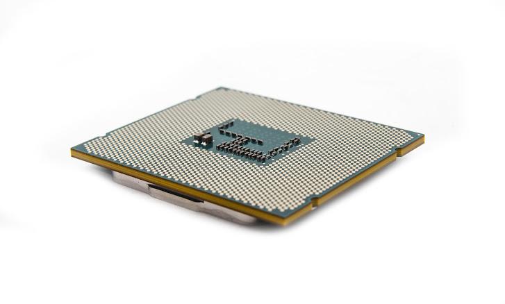 Intel Merilis CPU Desktop 8-Core Pertama Core i7-5960X