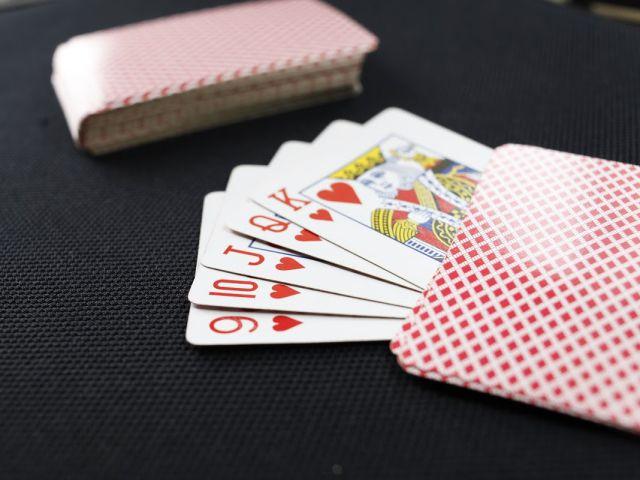 """""""Ôm bom"""" cây lớn - mẹo đánh phỏm casino cực hay"""