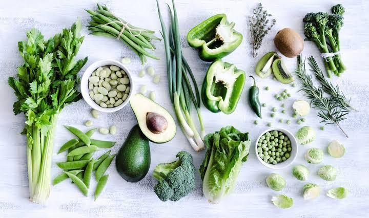 5. การทานอาหารที่มีสีเขียว
