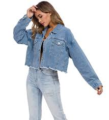 16 Cute Denim Jacket Outfits for Women to Wear in 2021