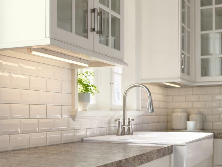 Inspirasi pemasangan lampu bawah kabinet di dapur - source: lampsplus.com