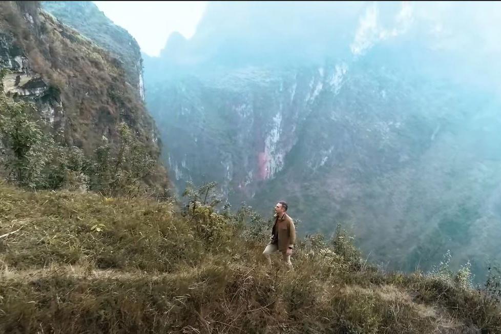 Kyo York tung MV 'Hồi sinh' lan tỏa thông điệp tích cực mùa dịch Covid-19