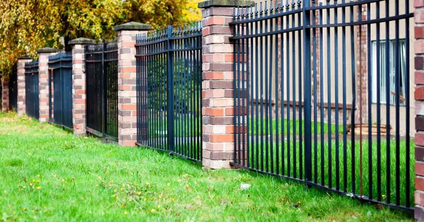 Four Affordable Options to Build Fences Around Your Home