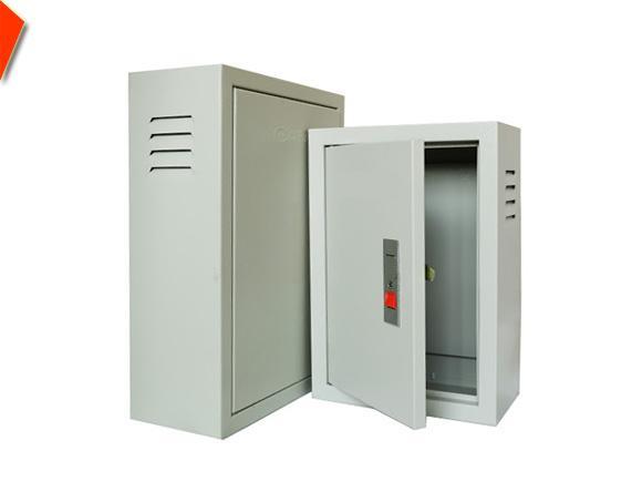 Vỏ tụ điện bảo vệ các thiết bị bên trong