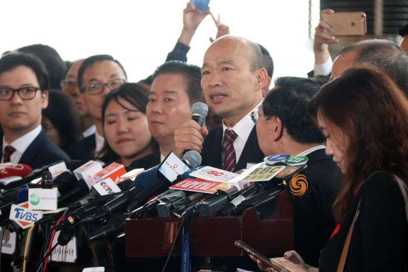 ��瑜今(22)�L香港,因�c中��k主任王志民��面,引�砀厶�民��然。(中央社)