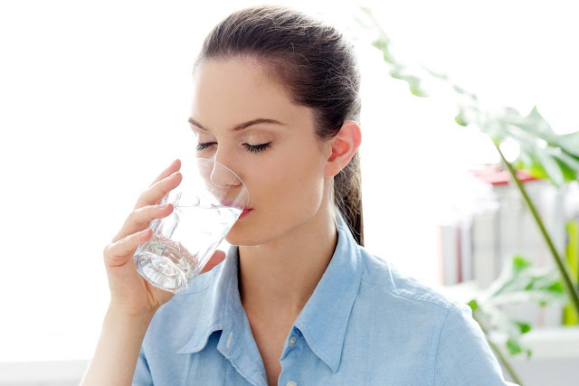 Stay hydrated, drink water, hydrate in the summer, summer hydration
