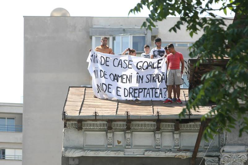 protest la evacuare.jpg