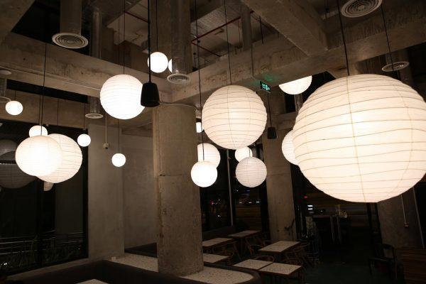 Mẫu đèn trang trí nhà hàng hợp với phong cách bạn chọn