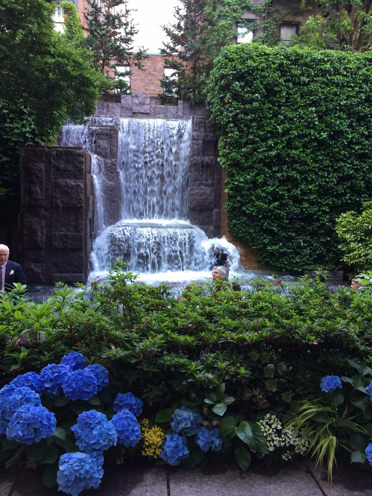 garden glamour by duchess designs greenacre park is a jewel of a