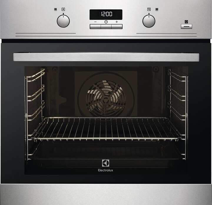 Electrolux 72L Built-in PlusSteam Oven EOB3434BOX. Source: Electrolux