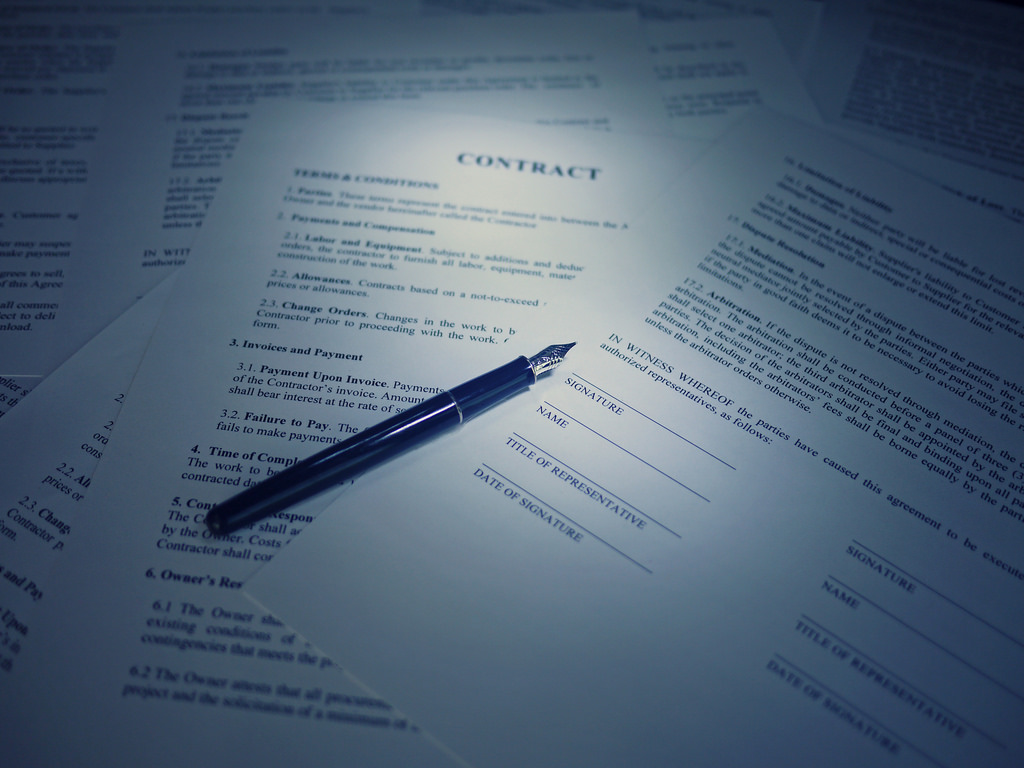 pen on a contract at signature page common legal issues