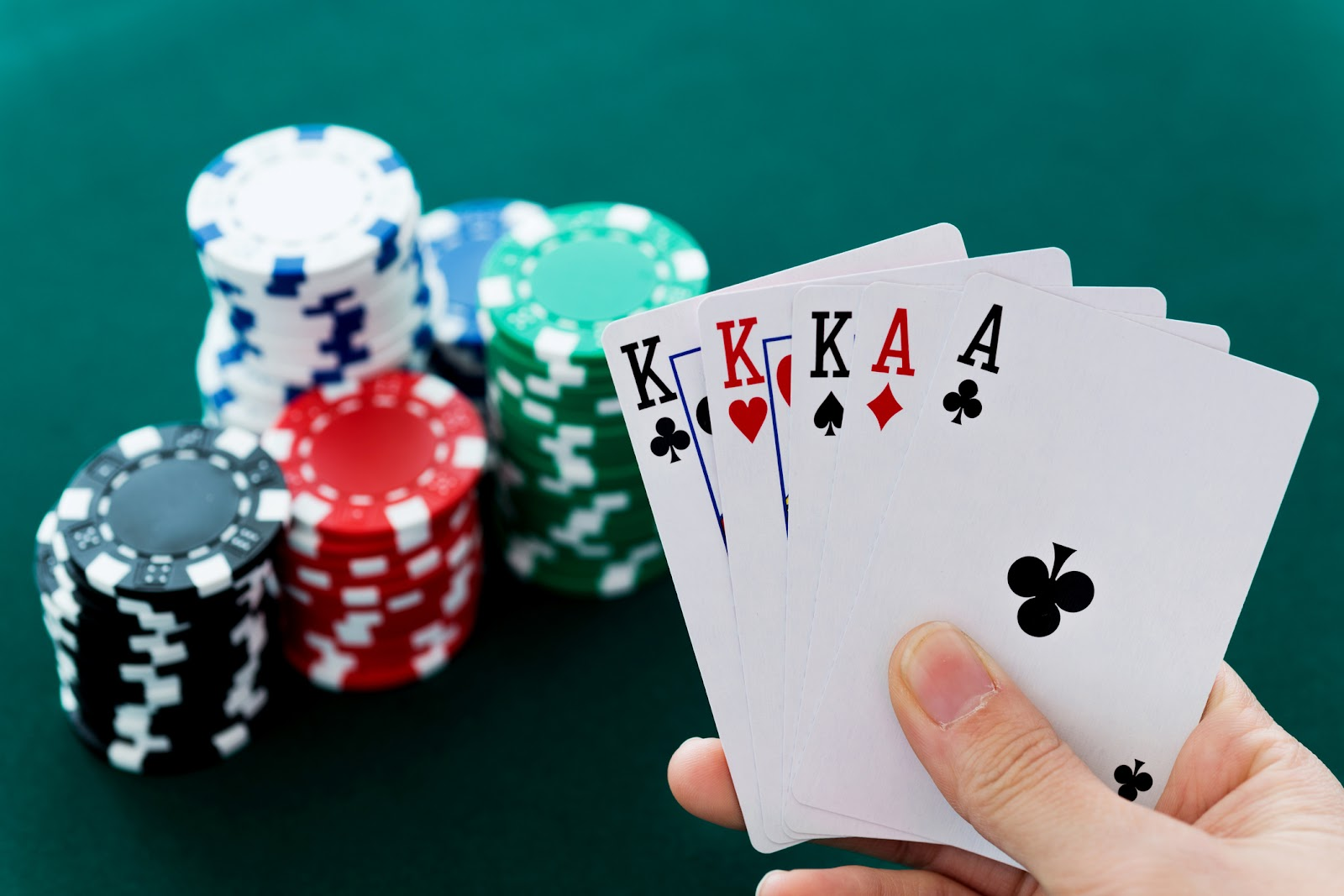 van-bai-poker-cf68