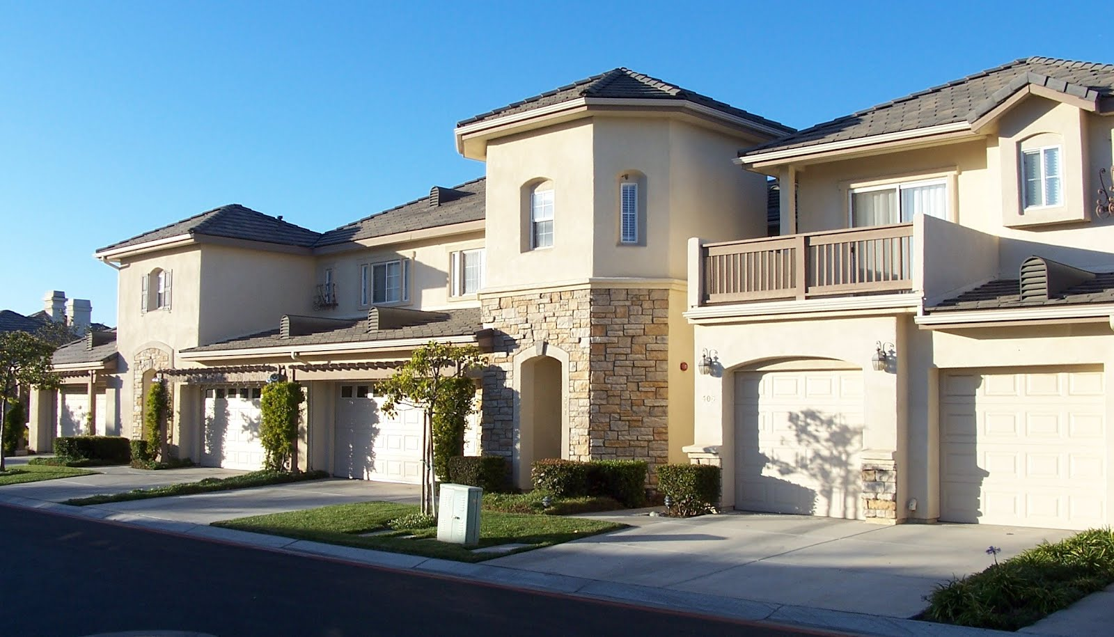 Somerset gardens santa maria orcutt luxury townhomes for Luxury townhouse designs