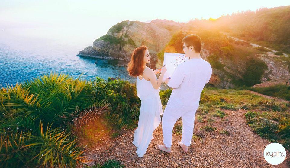 chụp ảnh cưới tại bãi đá Cầu Mỵ