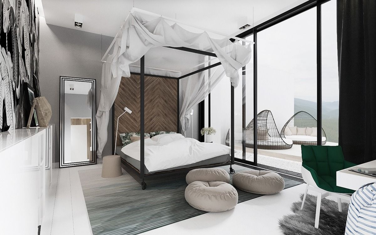 Luxurious Four Poster Bed