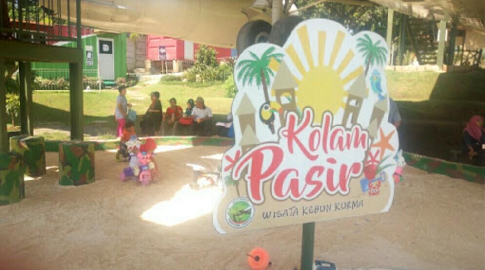 mengendarai ATV dan taman pasir anak-anak