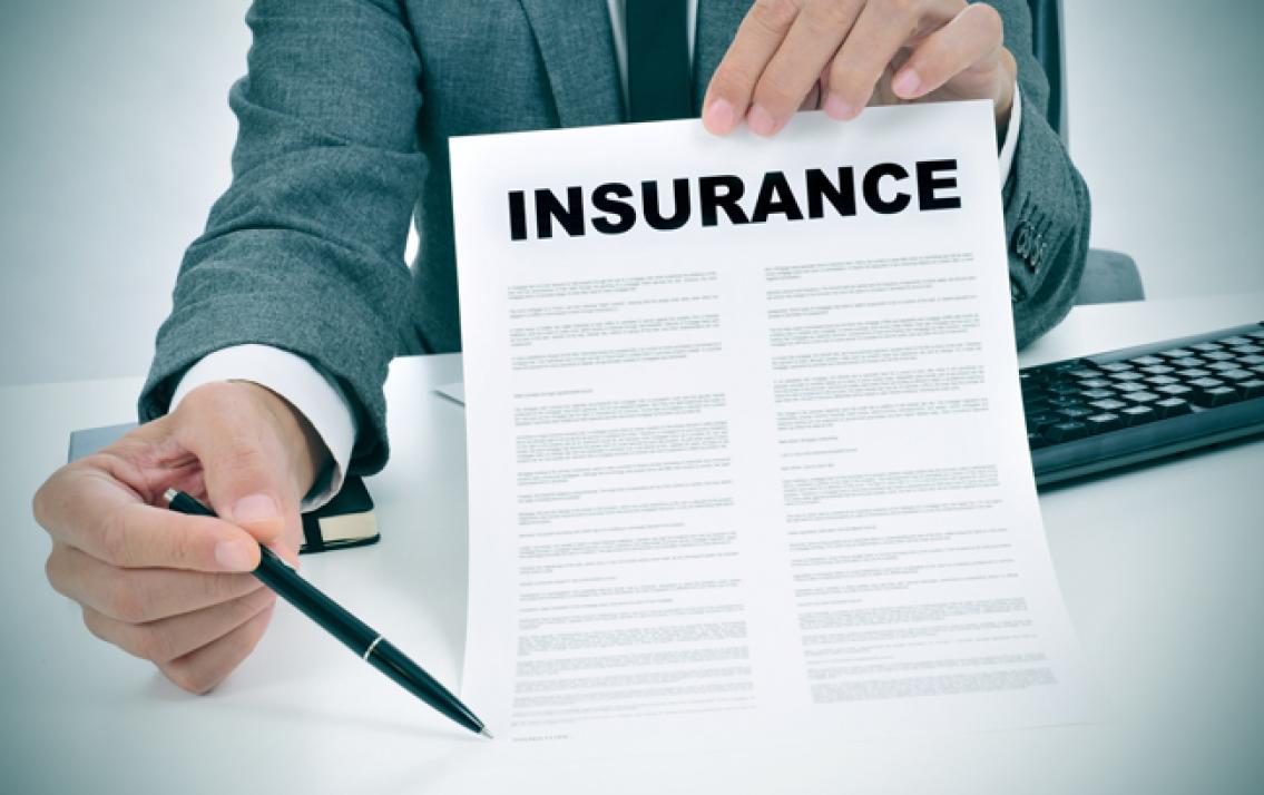 Cần phải xem xét kỹ hợp đồng khi tham gia bảo hiểm