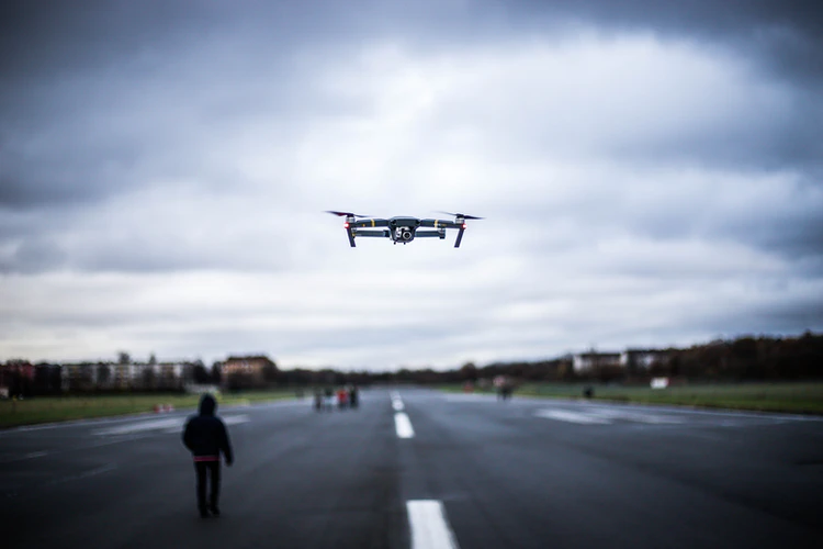 drone operators can now be tracked through their flight path