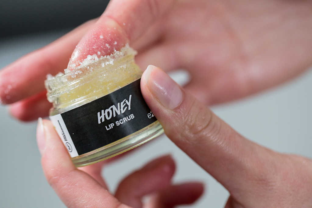 Lush Honey Lip Scrub