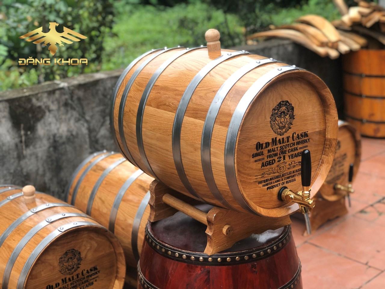 Bình gỗ sồi tại Trống Đăng Khoa