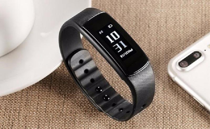 Iwown I6 Hr-C chiếc vòng đeo tay tầm trung giá tốt