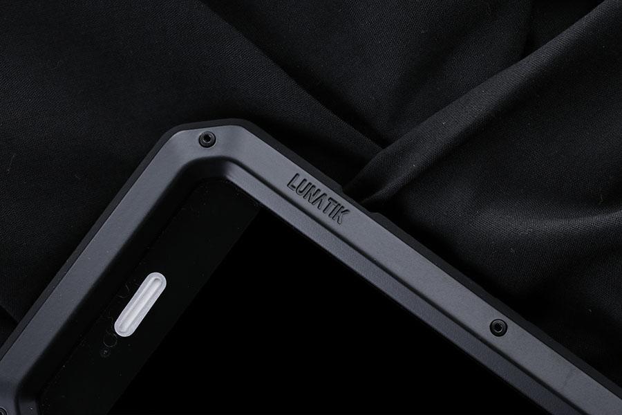 lunatik-iphone-7-plus-m7.jpg
