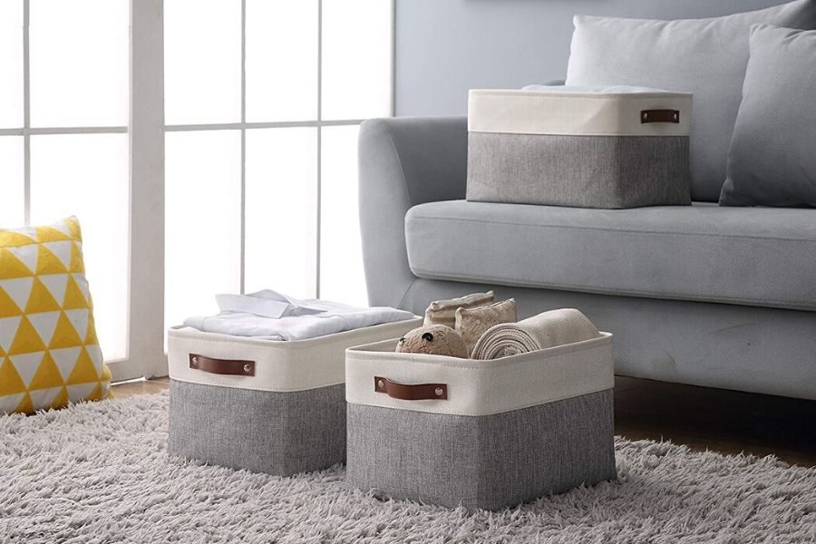 Incorporate storage baskets | Living room tips : Sociopup