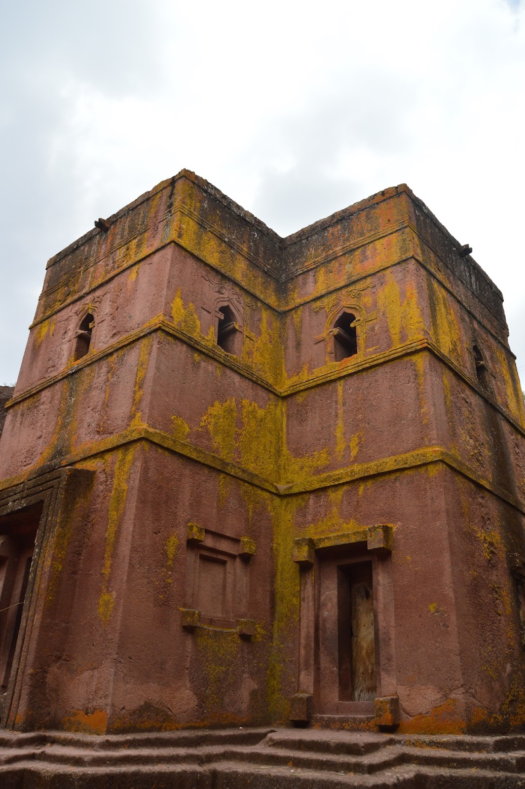 Lalibela - Church of St.George.jpg